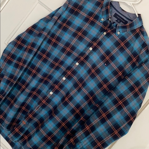 Tommy Hilfiger size l/g men's button down shirt
